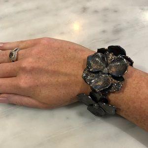 Jewelry - Flower metal bracelet